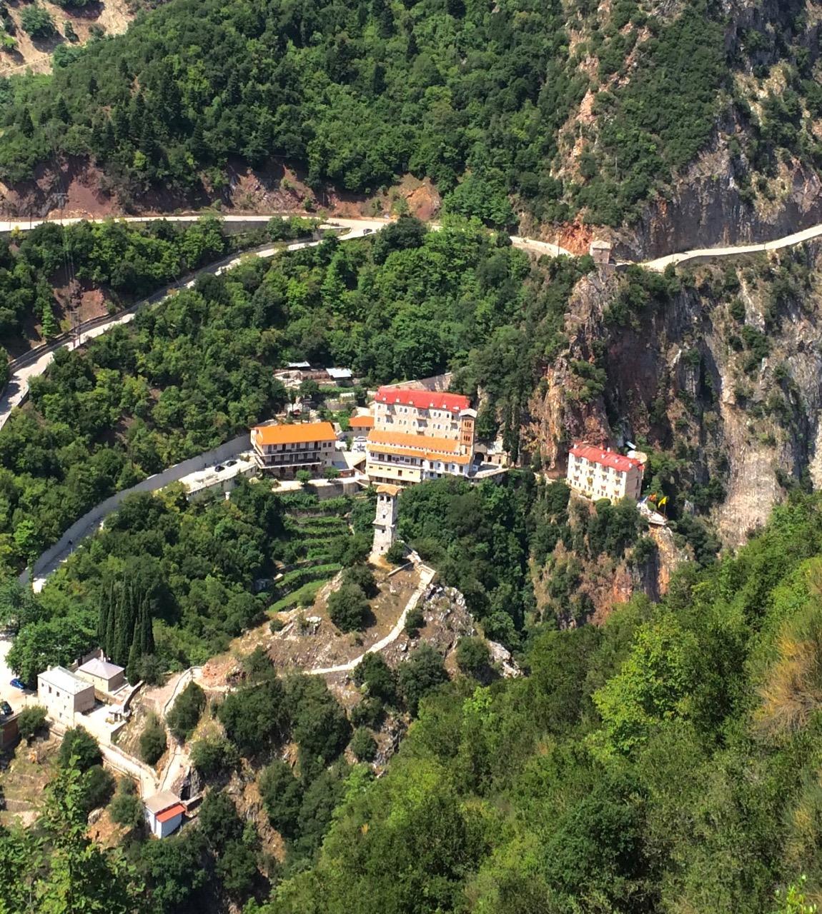 Το εντυπωσιακό μοναστήρι Προυσού.